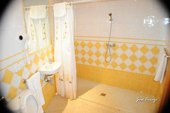 Complejo Turistico Castillo Castellar: cuarto de baño habitacion