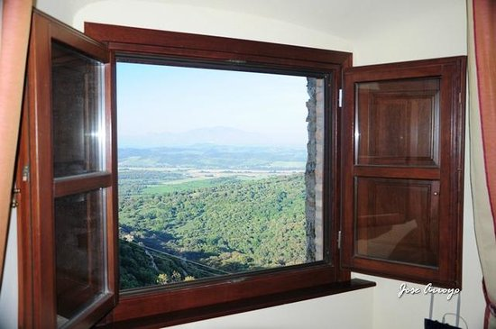 Complejo Turistico Castillo Castellar: ventana habitacion