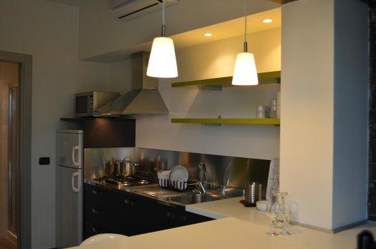 Camping Village Lago Maggiore : apartment kitchen
