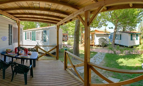 Camping Village Lago Maggiore : external mobile home