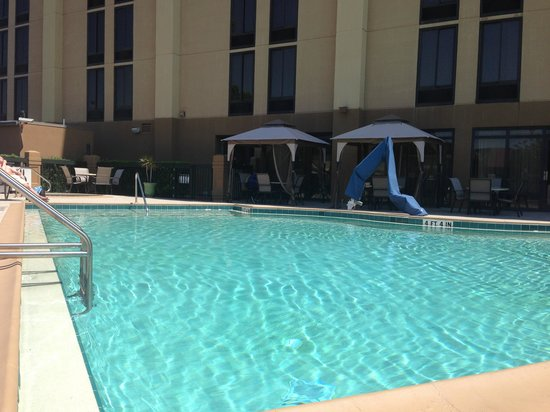 Hampton Inn Orlando Near Universal Blv / International Dr : Pool area