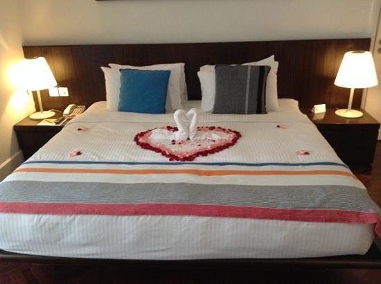 Lone Pine Hotel : lovely bed