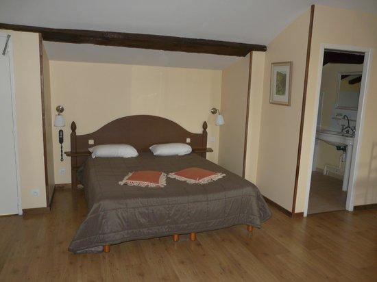 Chateau Fleur de Roques: 1er lit