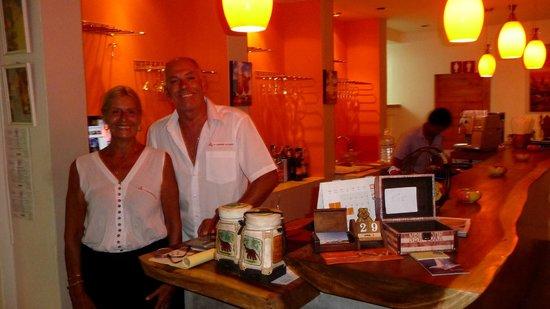 la crêperie de samui : Christine et Pascal dans leur restaurant