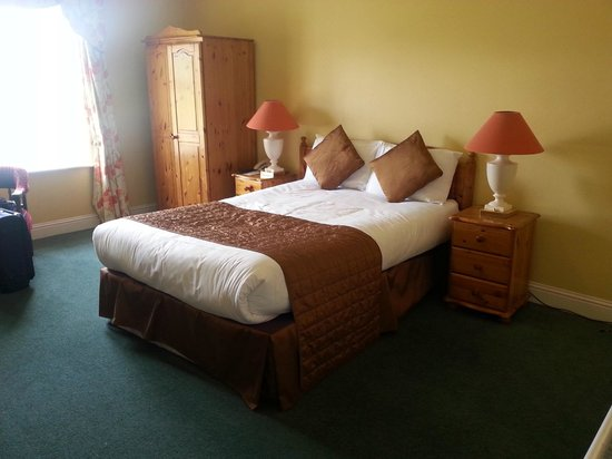 Great National Abbey Court Hotel & Spa: Main bedroom
