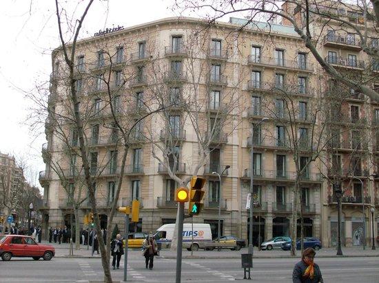 H10 Casanova: Отель