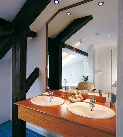 La Belle Vue : Salle de bain Hôtel