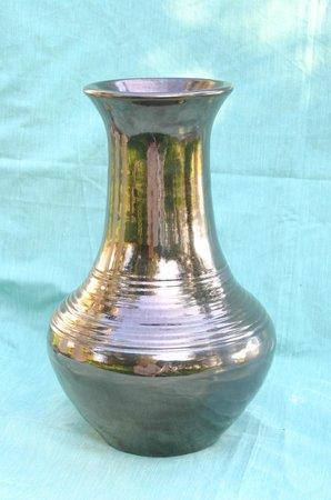 Adamieion Ceramic Art Studio: metallic gold vase