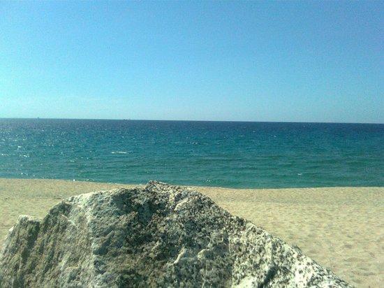 Villaggio Sayonara Club: Sayonara Club: la spiaggia e il suo mare.