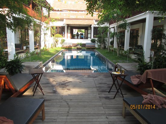 Le Sen Boutique Hotel : private courtyard/infinity pool area- quite lovely!