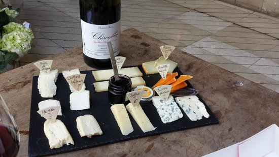 Flavors of Paris Walking Tours: Our cheese plate & wine to end the tour