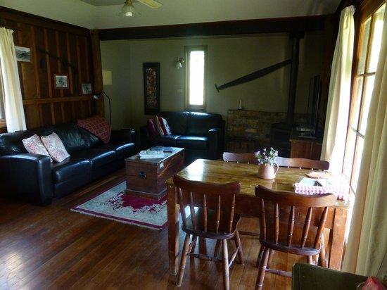 Cedar Creek Cottages & Wine : Cottage intérieur