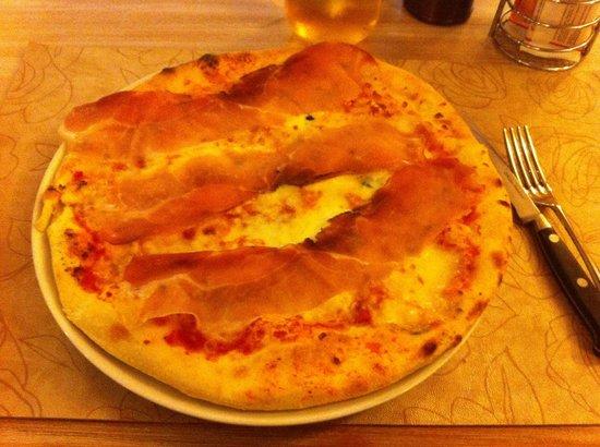 Ristorante Pizzeria Alla Torre: pizza buongustaia