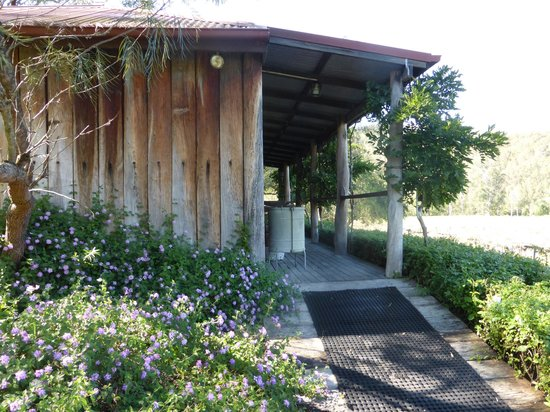 Cedar Creek Cottages & Wine : Timbercutters cottage