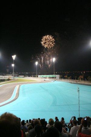 Yas Marina Circuit : Fireworks