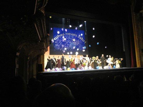 Opernhaus: Happy New Year
