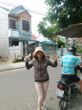 """Sunshine Hotel Hoi An: lady from """"store"""" next door .... really friendly!"""