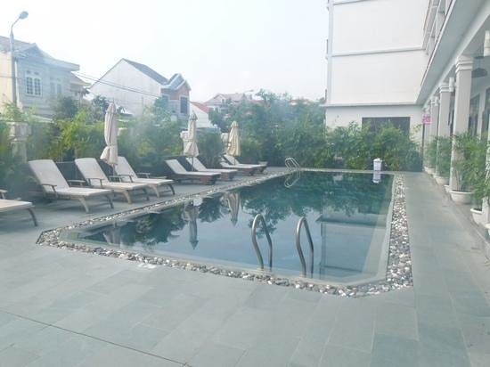 Sunshine Hotel Hoi An: the pool