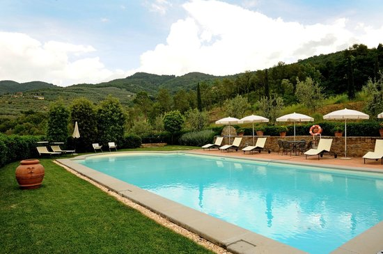 Casa Portagioia: Pool and views of the surrounding countryside
