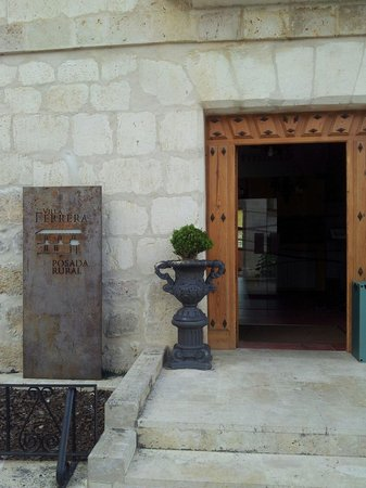 Villa Ferrera Posada Rural: Entrada principal