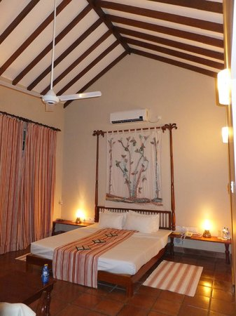 Sigiriya Village Hotel: Deluxe room interior