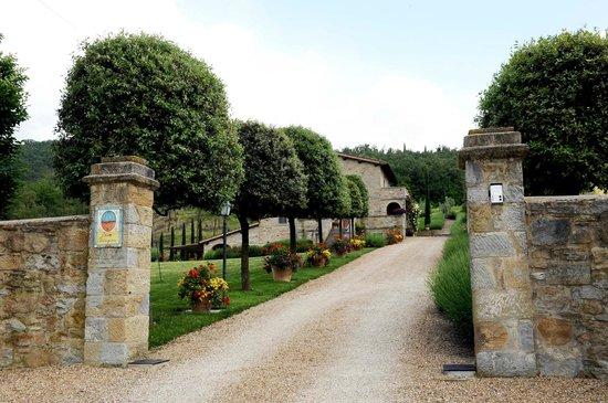 Casa Portagioia: entrance to garden