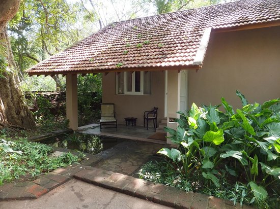 Sigiriya Village Hotel: Deluxe Room exterior