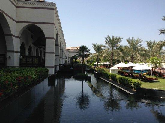 Jumeirah Zabeel Saray: Pool area 3