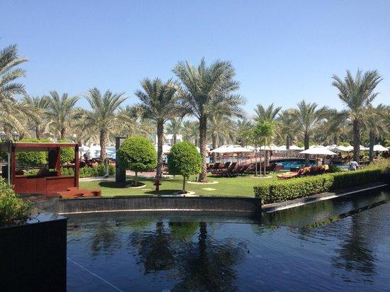 Jumeirah Zabeel Saray: Pool area 1