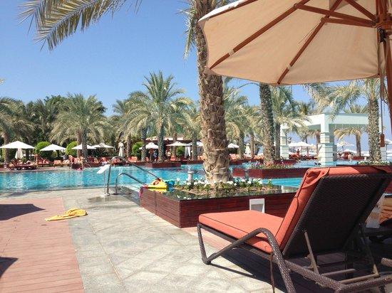Jumeirah Zabeel Saray: Pool area 4
