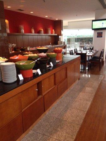 Caesar Business Vila Olimpia: Café da manhã