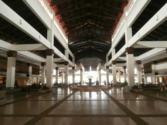 Sutera Harbour Resort (The Pacific Sutera & The Magellan Sutera): Main entrance Megellon hotel