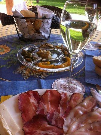 Agriturismo L'unicorno: Kulinarisches Vesperplättchen