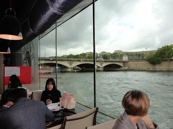 Bateaux Parisiens : On the boat