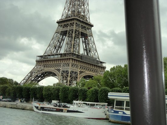 Bateaux Parisiens : Eiffel Tower from the boat
