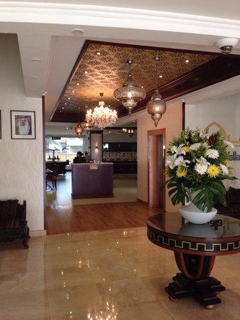 Al Safir Hotel & Tower: Lobby