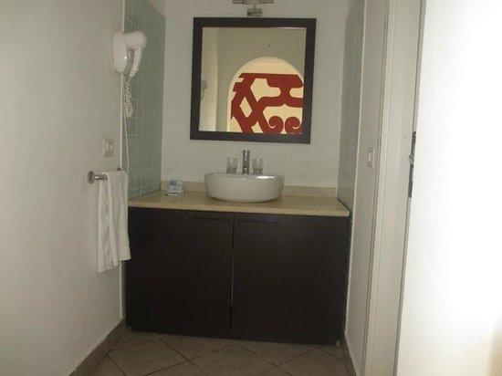 IBEROSTAR Club Boa Vista: Espace lavabo séparée de la salle de douches... Etrange