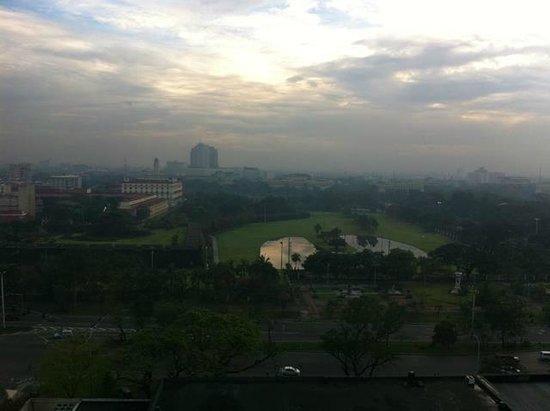 The Manila Hotel: morning view