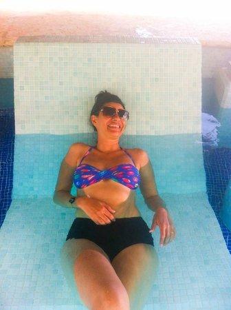 Paradisus Palma Real Golf & Spa Resort : en la cama de la piscina royal service