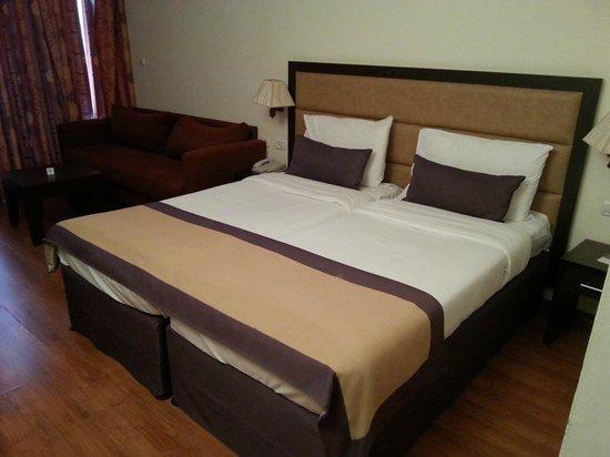 Kfar Maccabiah Hotel & Suites : Habitacion