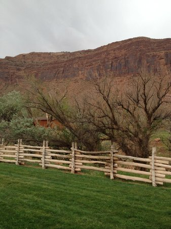 Red Cliffs Lodge: View from Room outside area
