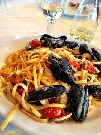 Ristorante Lu Cannizzu: Linguine alle cozze