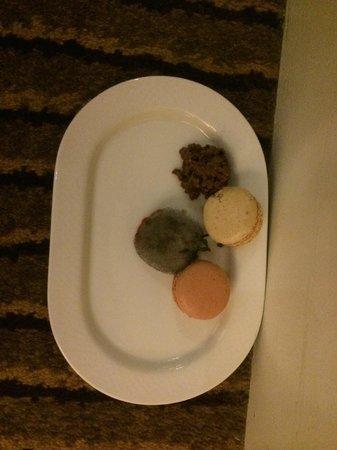 Radisson Blu Hotel at Disneyland Paris: l'assiette retrouvée dans un tiroir