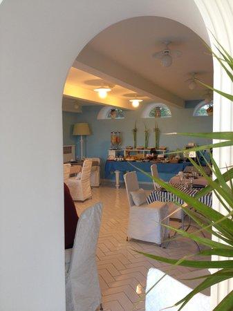 Hotel La Bougainville : sala colazione