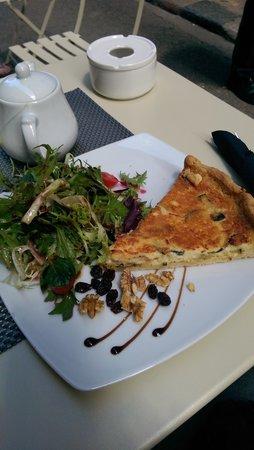Café Scholl: Quiche of the day, delicious