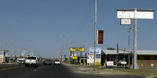 Approaching Deluxe Inn on East Dickinson Boulevard