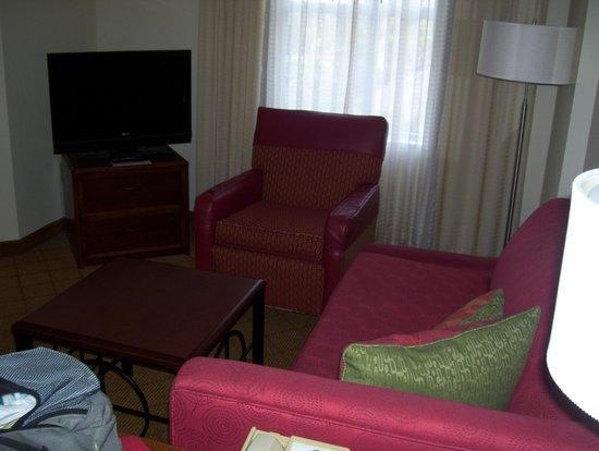 Residence Inn Tampa Downtown: living room