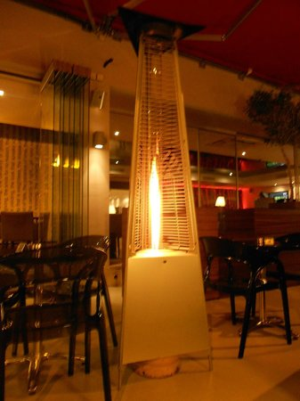 Napa Plaza Hotel: Cafe Central