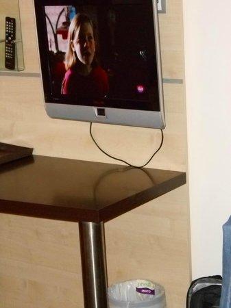 Holiday Inn Express Madrid-Getafe: Tv