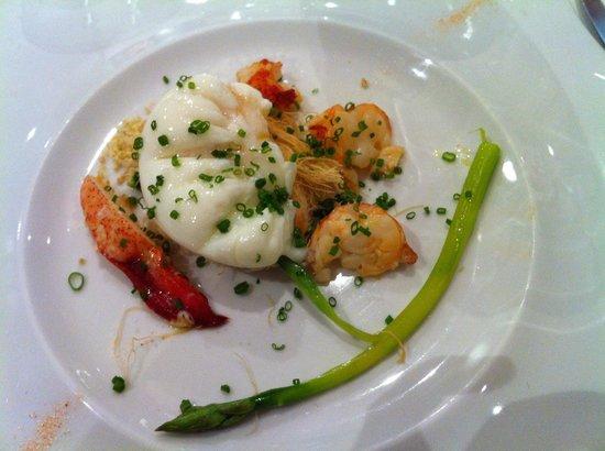 Bal d'Onsera: Huevo poche con su nido y su marisco
